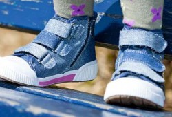В чем заключается польза ортопедической детской обуви?